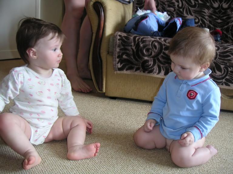 Картинки малышейбез трусов фото 456-216